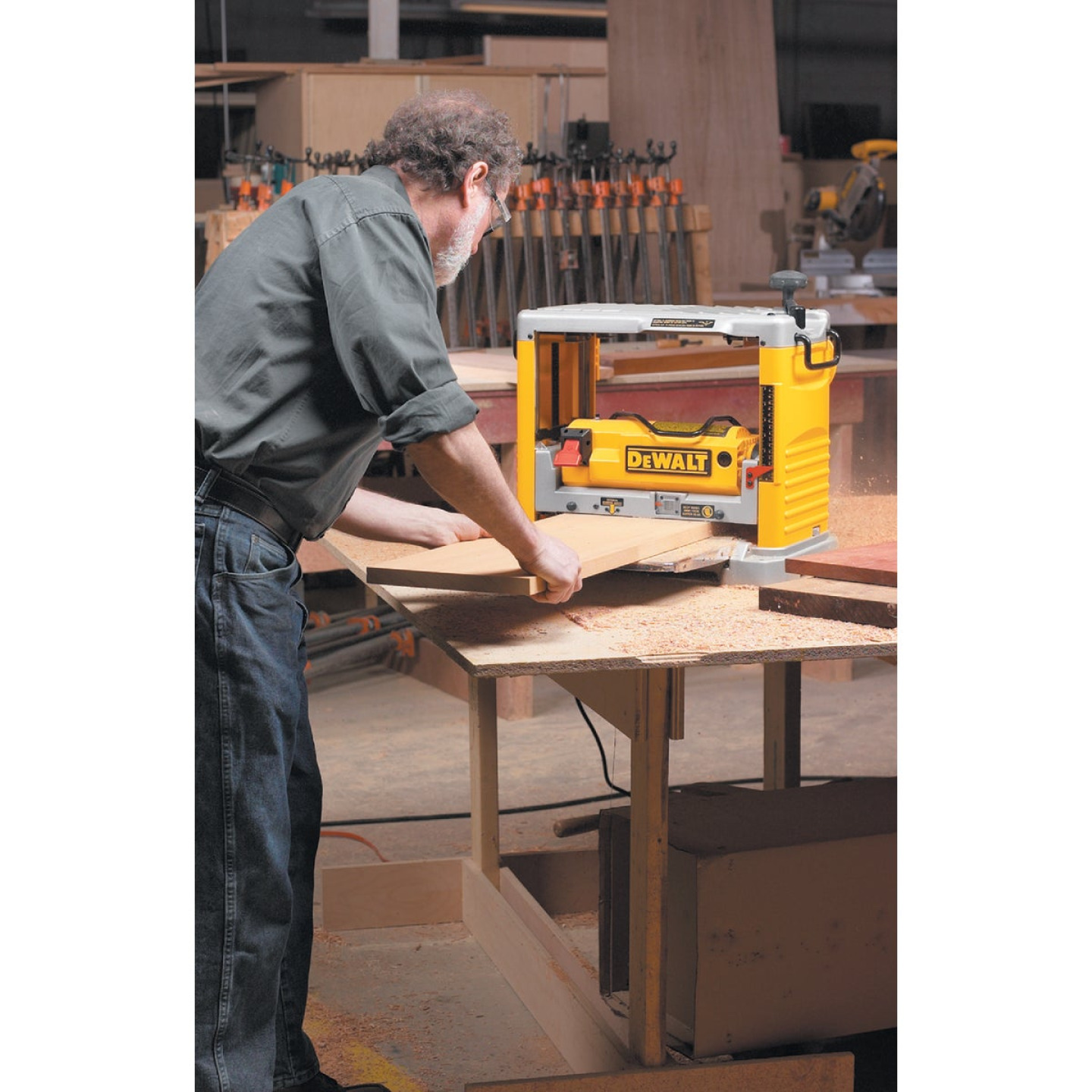 DeWalt 12-1/2 In. Portable Planer Image 2